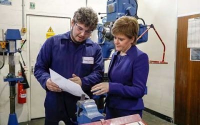 The First Minister Visits Tullos Training